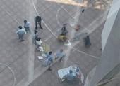 Nam sinh viên rơi từ tầng 13 trúng 1 sinh viên khác