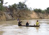 Lật đò trên sông Vu Gia, 6 người mất tích