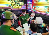 Đà Nẵng: Chủ quán karaoke kéo bạn về hát khi đã có lệnh cấm