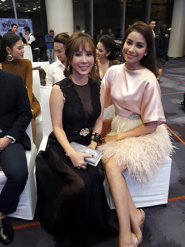 Hoa hậu Thu Hoài và hoa hậu Phạm Hương