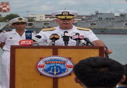 Đô đốc Scott Swift họp báo tại căn cứ Pearl Harbor-Huckam (Hawaii) trong cuộc tập trận Vòng tròn Thái Bình Dương ngày 5-7.