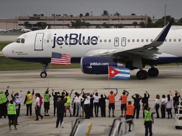 Chuyến bay lịch sử JetBlue Flight 387 chuẩn bị cất cánh từ sân bay Ft. Lauderdale về sân bay Santa Clara (Cuba).