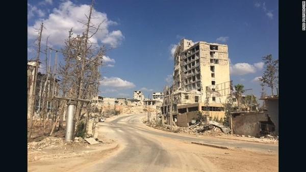 Tuyến đường Castello – tuyến đường duy nhất nối với đông Aleppo đang nằm trong sự kiểm soát của phe chính phủ Syria.