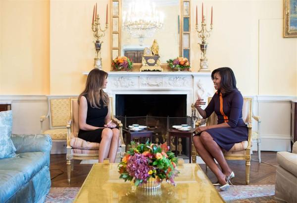 Đệ nhất phu nhân Michelle Obama tiếp trà bà Melanin Trump tại Nhà Trắng ngày 10-11.