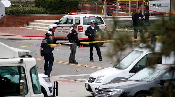 Cảnh sát phong tỏa quanh khu vực gây án ở trường đại học bang Ohio (Mỹ).