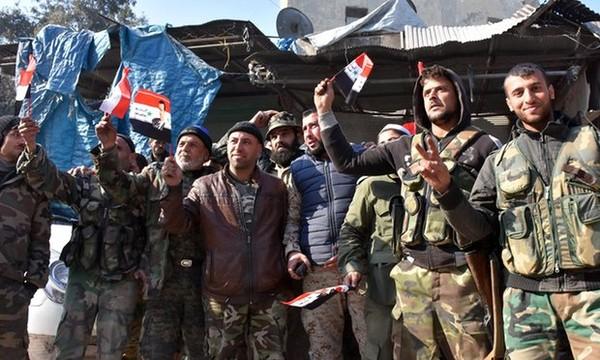 Quân chính phủ tại quận Bab al-Nairab (đông Aleppo) ngày 10-12. Ảnh: AFP