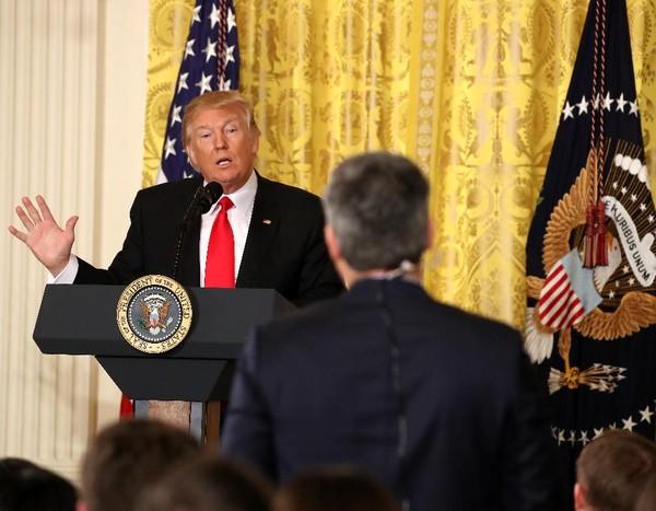 Tổng thống Mỹ Donald Trump chỉ trích truyền thông dữ dội trong cuộc họp báo ngày 16-2. Ảnh: GETTY IMAGES