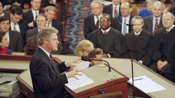 Tổng thống Bill Clinton phát biểu lần đầu trước Quốc hội ngày 17-2-1993. Ảnh: AP