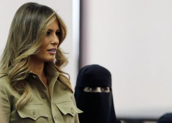 Đệ nhất phu nhân Melania Trump không trùm đầu ở Ả Rập Saudi. Ảnh: REUTERS
