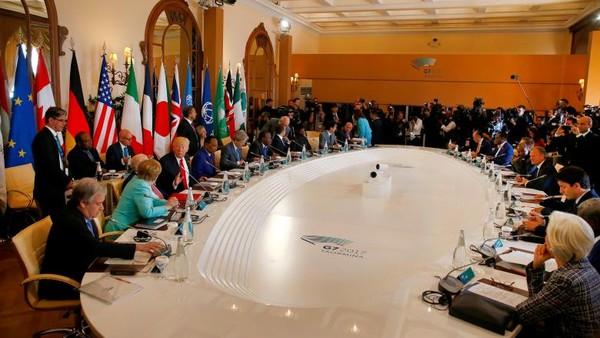 Quang cảnh phiên họp hội nghị G7. Ảnh: REUTERS