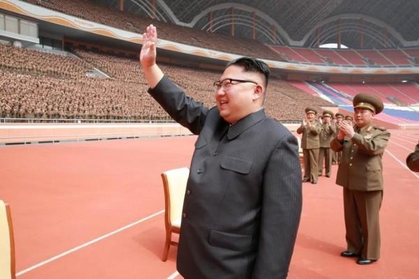 Lãnh đạo Triều Tiên Kim Jong-un được cho là vừa giám sát vụ thử một hệ thống vũ khí phòng không mới của nước này. Ảnh: REUTERS
