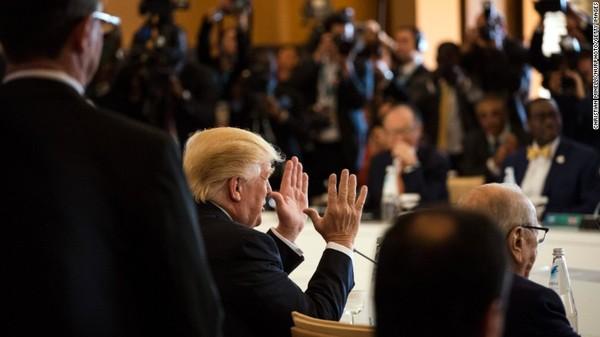 Tổng thống Trump tại giữa hội nghị G7 ở Ý ngày 27-5. Ảnh: CNN