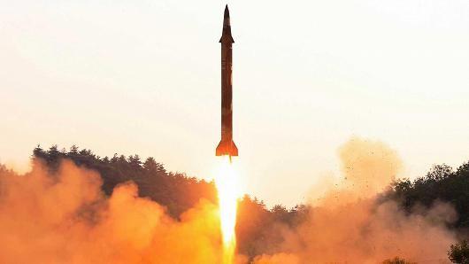 Tên lửa đạn đạo Triều Tiên trong một lần phóng thử. Ảnh: KCNA công bố ngày 30-5