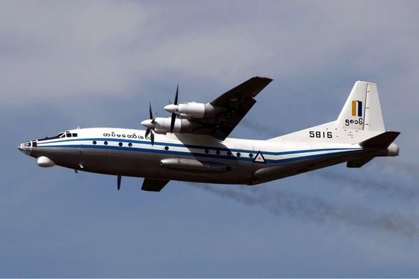 Máy bay bị nạn thuộc dòng máy bay cánh quạt Thiểm Tây Y-8-200F do Trung Quốc sản xuất. Ảnh: AFP