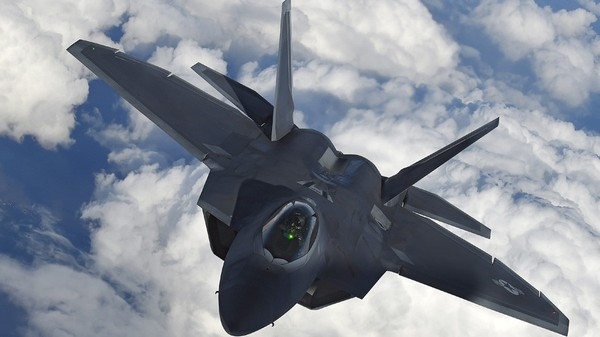 Máy bay chiến đấu tàng hình F-22A Raptor của Mỹ. Ảnh: REUTERS