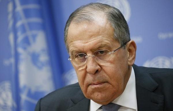 Ngoại trưởng Nga Sergey Lavrov trong cuộc họp báo ngày 19-1 tại trụ sở LHQ ở New York (Mỹ), cáo buộc Mỹ đang muốn lập một chính phủ khác nữa ở Syria. Ảnh: TASS
