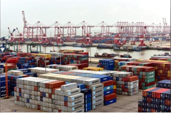 Hàng hóa ở cảng Quảng Châu, tỉnh Quảng Đông (Trung Quốc). Ảnh: REUTERS