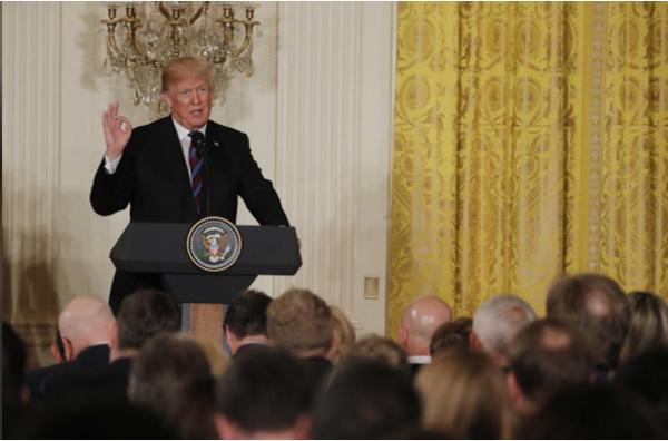 Tổng thống Mỹ Donald Trump trong cuộc họp báo tại Nhà Trắng ngày 3-4. Ảnh: REUTERS