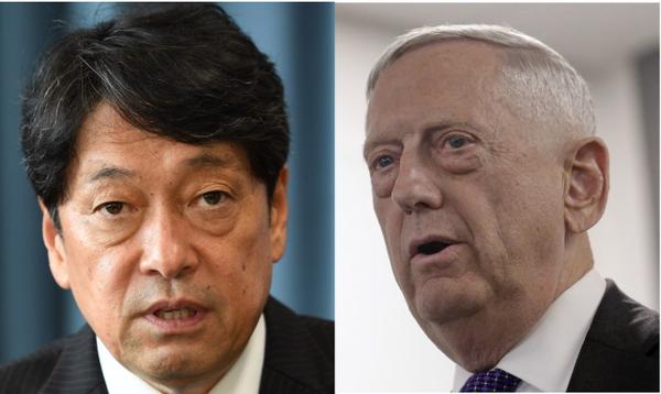 Bộ trưởng Quốc phòng Nhật Itsunori Onodera (trái) và Bộ trưởng Quốc phòng Mỹ James Mattis thống nhất phải buộc Triều Tiên từ bỏ hoàn toàn hạt nhân. Ảnh: REUTERS