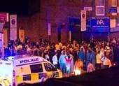 London: 'Xe điên' đâm người gần nhà thờ Hồi giáo