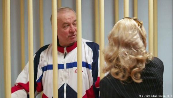 Ông Skripal là điệp viên Cơ quan An ninh liên bang Nga, bị Nga bắt năm 2006 vì bán tin tình báo cho Anh. Ảnh: AP
