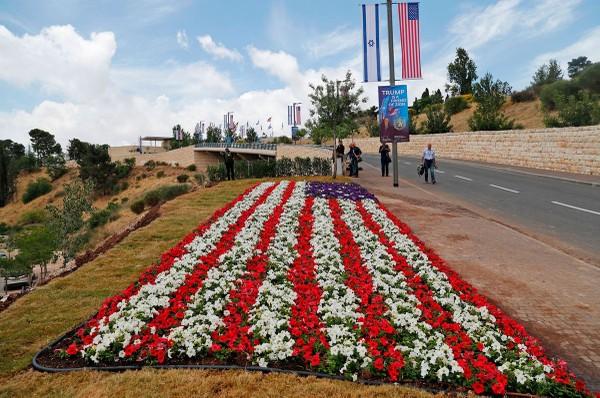 Công tác chuẩn bị cho buổi lễ khánh thành đại sứ quán Mỹ đã hoàn tất. Ảnh: GETTY IMAGES