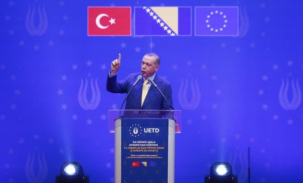 Tổng thống Thổ Nhĩ Kỳ Erdogan vận động tranh cử ở Sarajevo (Bosnia và Herzegovina) ngày 20-5. Ảnh: REUTERS