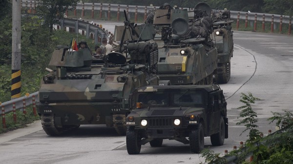 Binh sĩ Mỹ và Hàn Quốc trong một cuộc tập trận chung ngày 19-9-2017. Ảnh: GLP