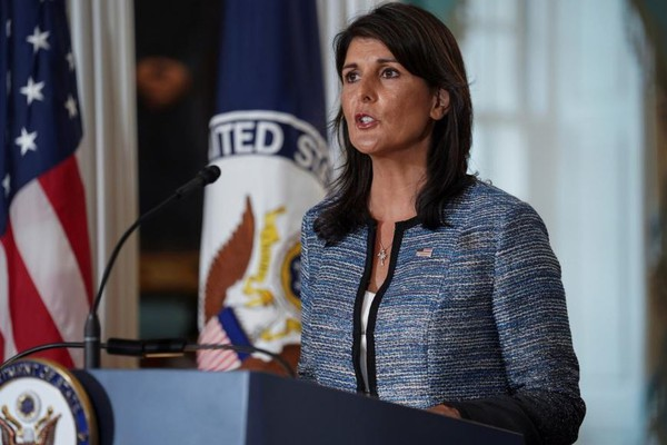 Đại sứ Mỹ Nikki Haley tại cuộc họp báo tại trụ sở Bộ Ngoại giao Mỹ ngày 19-6, thông báo quyết định rút khỏi Hội đồng Nhân quyền LHQ. Ảnh: REUTERS