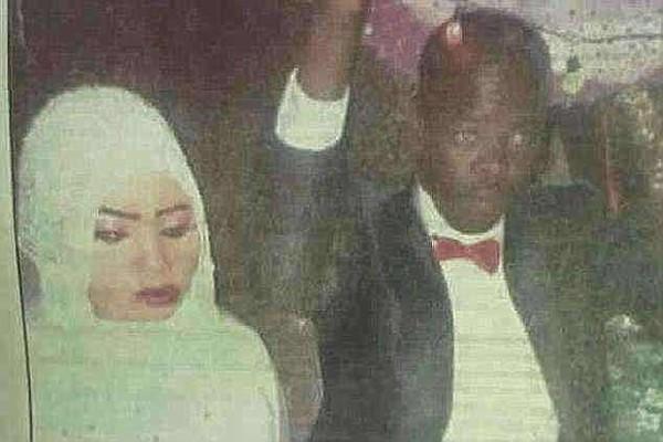 Cô Noura Hussein và chồng trong lễ cưới. Ảnh: CNN