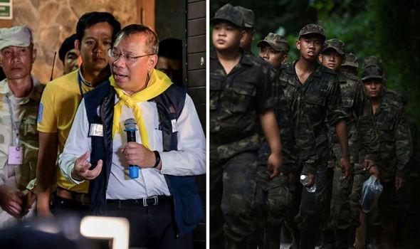Tỉnh trưởng tỉnh Chiang Rai, chỉ huy chiến dịch cứu hộ Narongsak Osottanakorn (trái) trong một cuộc họp báo. Ảnh: GETTY IMAGES