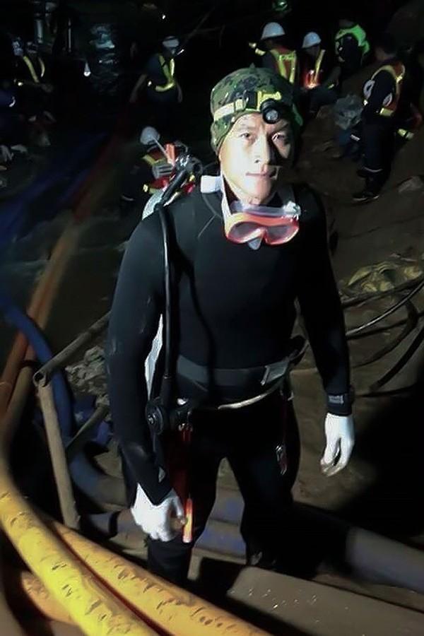Cựu binh Thai Navy Seals Samarn Poonan đã ra đi ở tuổi 38 trong quá trình lặn giải cứu đội bóng nhí. Ảnh: TWITTER
