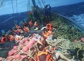Một ngày bão tố ở Thái Lan: 3 tàu chìm, 138 hành khách gặp nạn