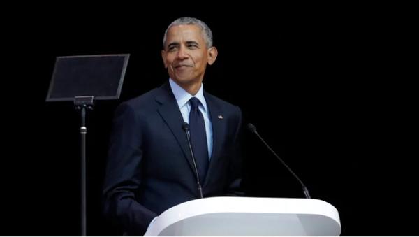 Cựu Tổng thống Mỹ Barack Obama phát biểu tại TP Johannesburg ngày 17-7. Ảnh: AP
