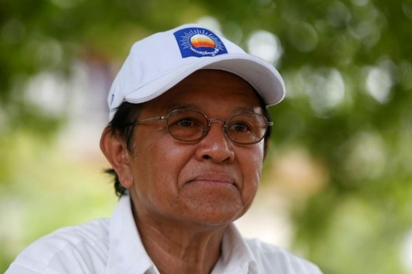 Lãnh đạo Kem Sokha của đảng Cứu quốc trong cuộc trả lời phỏng vấn Reuters ngày 28-5-2017, tại tỉnh Prey Veng (Campuchia). Ảnh: REUTERS