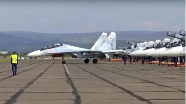 Máy bay Nga chuẩn bị cất cánh trong cuộc tập trận Vostok 2018. Ảnh: BỘ QUỐC PHÒNG NGA