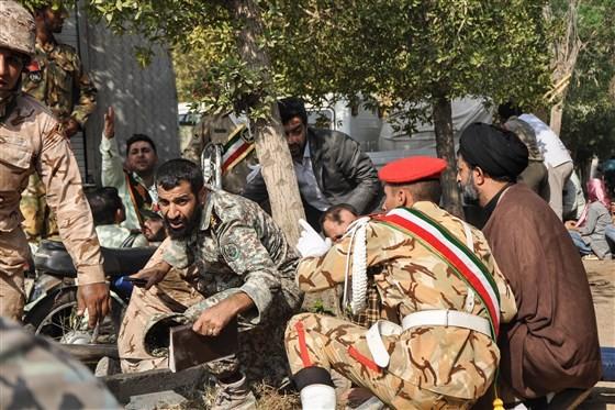 Trong số người chết có tám binh sĩ Lực lượng Vệ binh Cách mạng Iran, 20 người thuộc lực lượng này bị thương. Ảnh: AFP