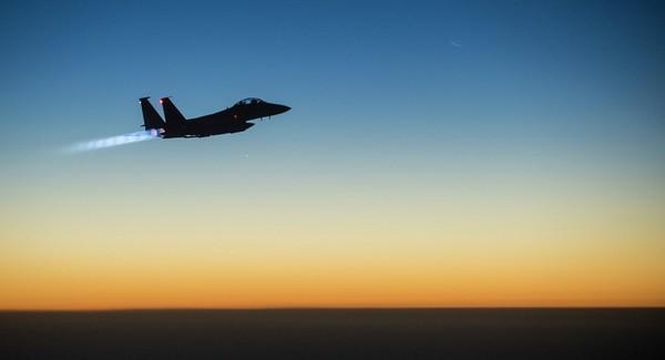 Báo Nga đưa tin F-15 của Mỹ vừa không kích nhầm đồng minh tay súng người Kurd đang đánh IS ở Syria. Ảnh: US FORCE