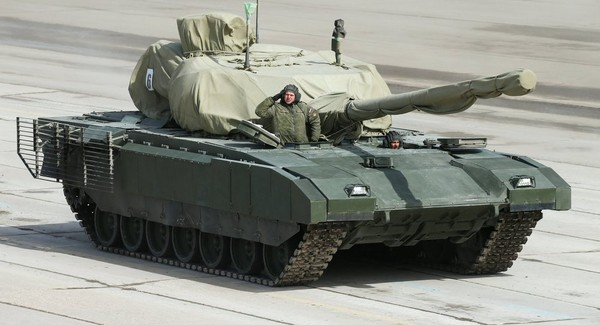 Xe tăng của Nga. Ukraine không thể so được Nga về số xe tăng, khi Nga là nước có lượng xe tăng lớn nhất thế giới. Ảnh: SPUTNIK
