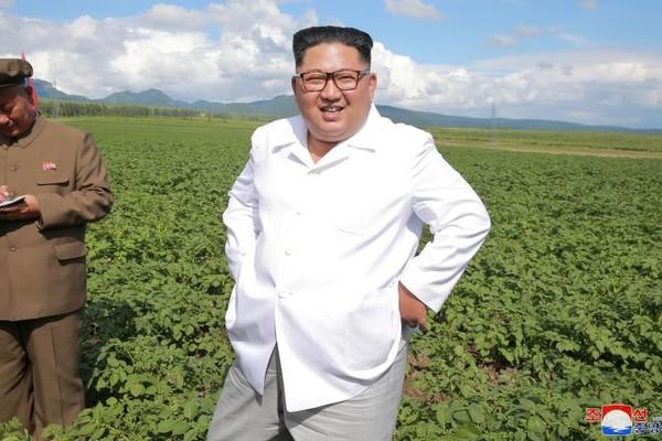 Lãnh đạo Triều Tiên Kim Jong-un thăm một nông trại ở huyện Samjiyon, tỉnh Ryanggang (Triều Tiên). Ảnh: KCNA