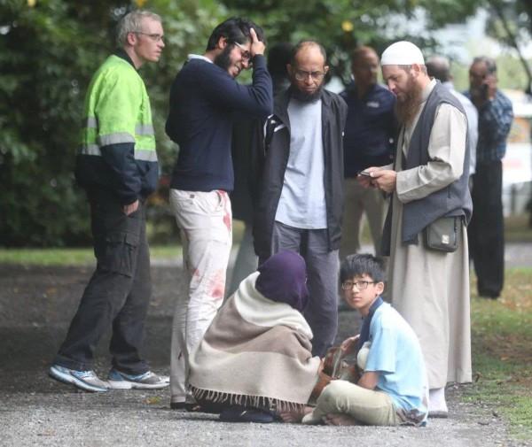Nhân chứng tại hiện trường xả súng nhà thờ Mansjid al Noor. Ảnh: TWITTER