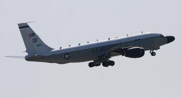 RC-135S được trang bị nhiều loại máy quay tiên tiến nhằm theo dõi các tên lửa đạn đạo và khả năng các tên lửa này mang đầu đạn. Ảnh: SPUTNIK