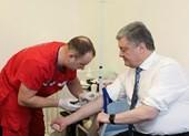 Bầu cử Ukraine: Ông Zelenskiy thách ông Poroshenko thử ma túy