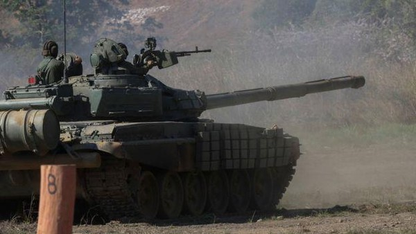 Xe tăng T72 Nga bán cho Venezuela. Ảnh: AFP
