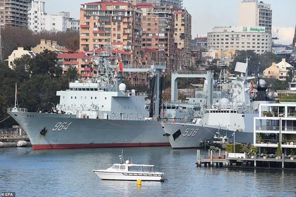 Tàu chiến Trung Quốc đến cảng Sydney. Ảnh: EPA