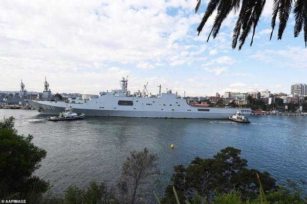 Tàu chiến Trung Quốc đến cảng Sydney. Ảnh: TWITTER