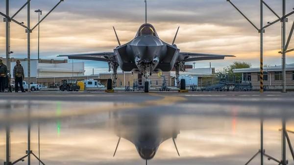 Hiện có 4 phi công và 47 quân nhân Thổ Nhĩ Kỳ đang ở căn cứ không quân Luke ở bang Azirona (Mỹ) để được huấn luyện về các vận hành F-35. Ảnh: RT