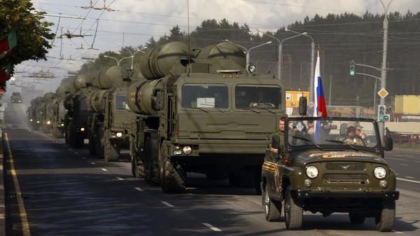 Thổ Nhĩ Kỳ nói không từ bỏ thương vụ mua S-400 từ Nga trị giá 2,5 tỉ USD. Ảnh: REUTERS