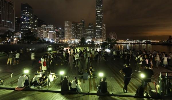 Người dân Hong Kong đã tập trung chuẩn bị biểu tình đầu ngày 12-6. Ảnh: SCMP