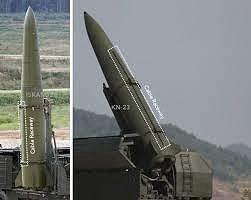 Tên lửa KN-23 của Triều Tiên (phải) có hình dáng tương tự tên lửa Iskander-M của Nga (trái). Ảnh: JAMES MARTIN CENTER
